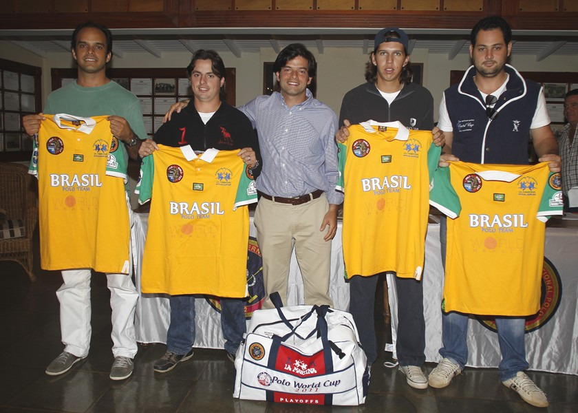 José Klabin (third from left ro right) and Brazilian team for World Cup qualifiers, in 2011.