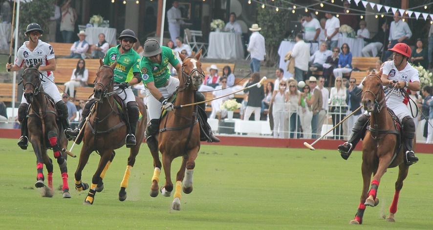 João Novaes na partida entre Brasil e Peru nas Eliminatórias Sul-Americanas. (crédito – 30jardas.com.br)