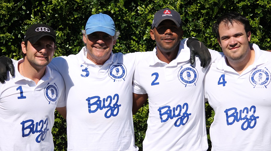 Equipe-Buzz-Torneio-de-Franca-2013-crédito-30jardas