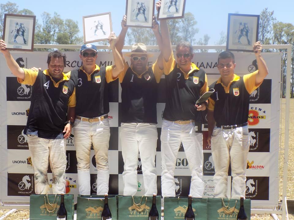 Equipe Osório, campeã do Torneio Internacional 4 gols (crédito – Circulo Militar de Uruguaiana)