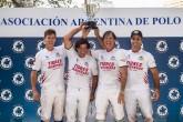 Tigres Invernada com a taça da Copa Oro Argentina 2016 (crédito – Matías Callejo - aapolo.com)