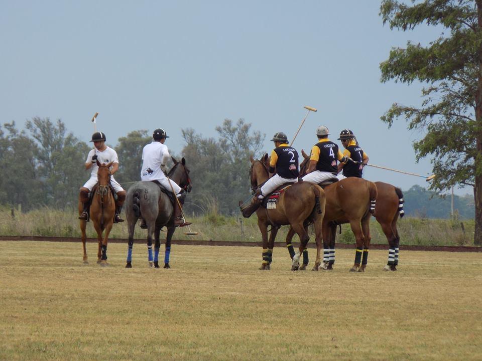 Torneio Internacional Cidade de Uruguaiana (crédito – Facebook - Círculo Militar de Uruguaiana)